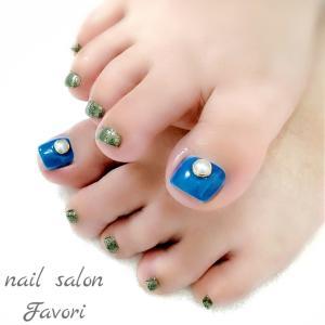 ☆(foot)ビタミンブルー×グリーンラメのアゲネイル☆