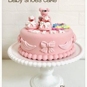 赤ちゃんのご誕生にベビーシューズケーキを♡