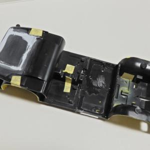 アオシマ マツダ SA22C RX-7 デイトナ '79 8-シャーシが真っ二つ メーターを複製
