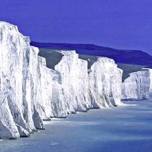 セブン・シスターズ・英国!断崖絶壁・7人の女性の横顔!イギリス海峡の海食崖!