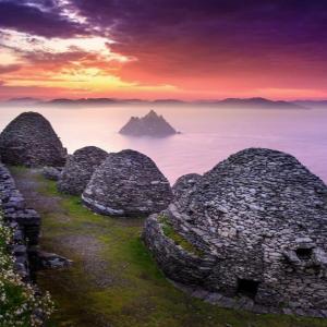 石積みの僧坊・アイルランド=シュケリッグ・ヴィヒル!石積みの修道院の跡が今も!