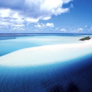 マレ島・ロイヤル諸島!美しい海に囲まれた!大自然と!鬱蒼としたジャングル!!!