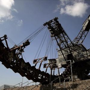 ウルトラ重機・6!石炭を掘り出し直ぐに発電所へ運ぶ凄い奴!超巨大カリスマ重機!