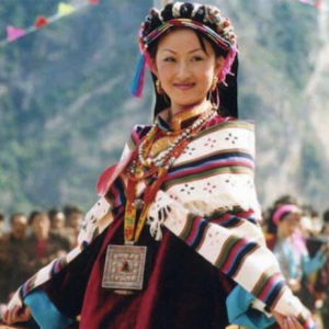 中国の秘境・四川美人谷!女王の谷の女性達は美人揃いで、歌や踊りで活躍する!!