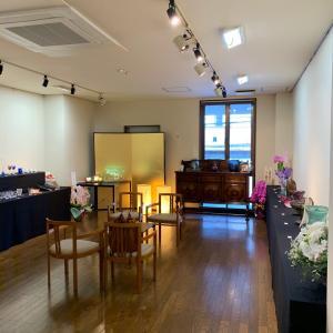 華寿(還暦)記念のガラス工芸展へ