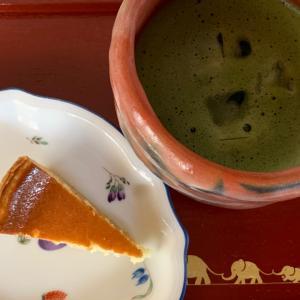 モロゾフのチーズケーキで朝抹茶