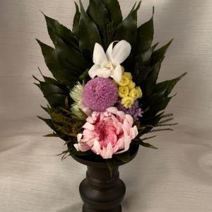 夏は特にプリザーブドフラワー仏花が人気です