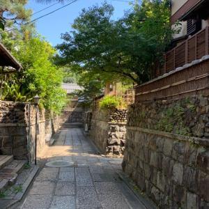 京都祇園…石塀小路から霊明神社さんへ