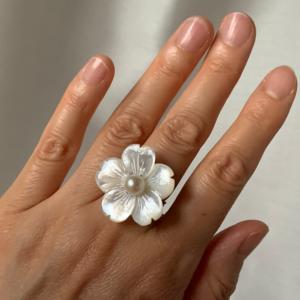 白蝶貝とパールの指輪が完成しました