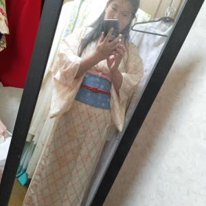 白に竹を入れた絽の着物