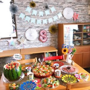 ガラスの器とカラフルな 誕生日パーティー