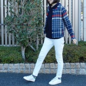 ノーカラージャケット&ホワイトでスッキリカジュアル