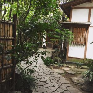 良覚院丁公園の緑水庵