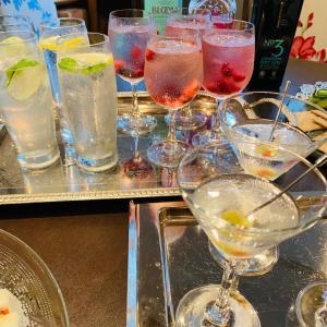 テーブルの歴史文化マナー High tea party