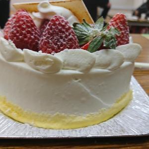 【】今日はケーキの日。