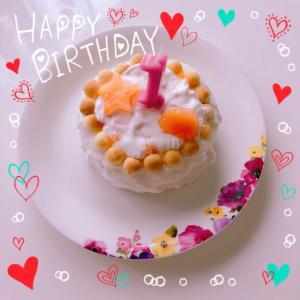 1歳のケーキとケーキスマッシュ