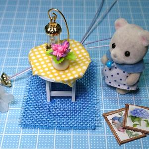 ドールハウスキット子猫日記№5円卓とライト