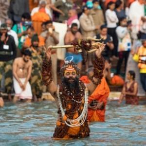 インドの感染爆発(2)~12年に一度の大祭クンブメーラ