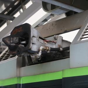 頭上の連結器 湘南モノレール