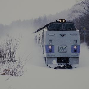 キハ183 雪煙