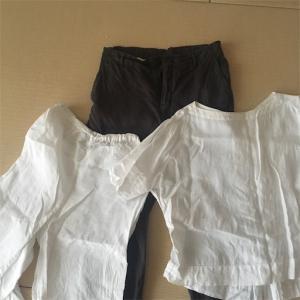 【ミニマムワードローブ】捨てた夏の服、買った冬のアイテム。