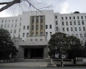 新型コロナウイルス  往来自粛の 大阪府:兵庫県