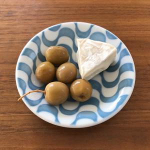 最近ハマっている食べ物◎オリーブの塩漬けがクセになる〜。
