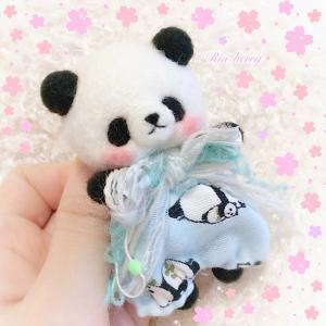 おめかしパンダ1号☆羊毛フェルトマスコット