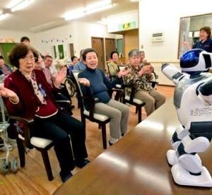 認知症対応でロボット活用!顔認証で離院防止などケア負担軽減