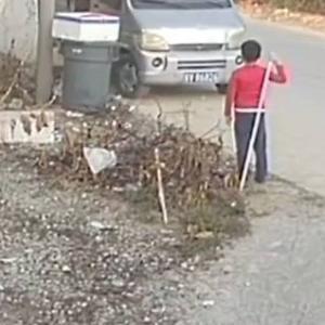 【犬泥棒】少年の目の前で愛犬がさらわれる in中国