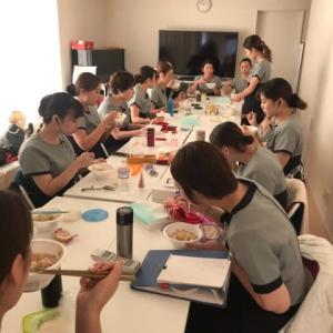 華味鳥・水炊き・福岡・柚子胡椒・ミドリデンタルクリニック