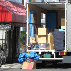県外から次男が帰ってきました、大量の荷物と一緒に(^^;