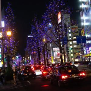 大阪のシンボルストリート御堂筋を彩るイルミネーション