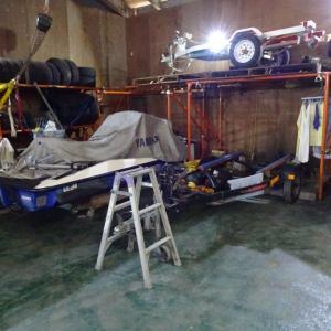 保管場所の配置変更とトレーラーの格納