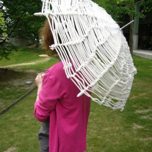 K子さん:ヒモ傘