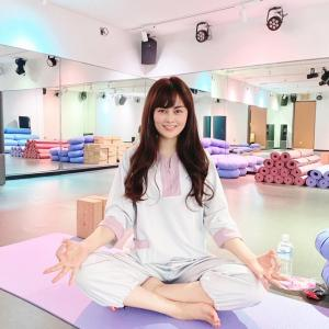 ハピヨガ銀座店で心も体も整う瞑想ヨガ♪ストレスを癒す空間・香りも魅力!ヨガウェア無料も。