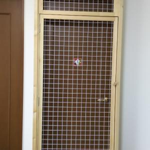 新しい脱走防止扉