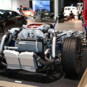 日産GT-Rが丸裸に