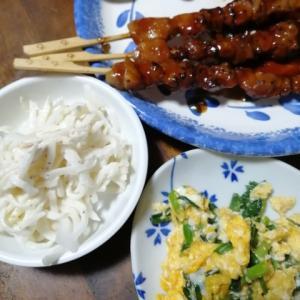 焼き鳥と大根サラダとニラ玉