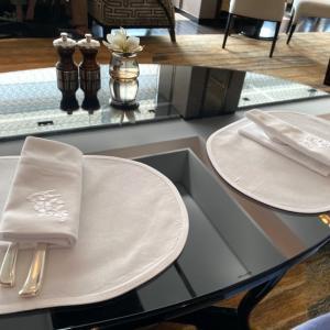 シャングリ・ラ ホテル東京の朝食をブログレポート!エッグベネディクト&和朝食は絶品!