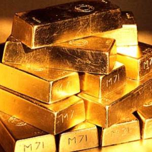 金もビットコインも「無国籍通貨」  株式との逆相関を考えると、金に投資する?