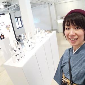 ネクタイ作家・笠原麻子ちゃんの香港個展に行って来ました。