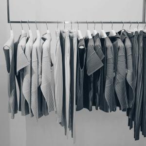 洋服の本当にお得な買い方とは。
