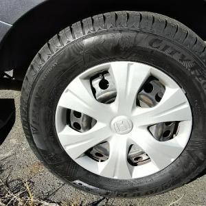 フリードスパイクのタイヤ交換