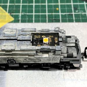 EF81 300番台のステンレスを弄る。その1(EF81 304号機)TOMIX 7128