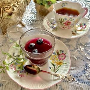 夏のお茶時間☆ブルーベリーのふるふるゼリー