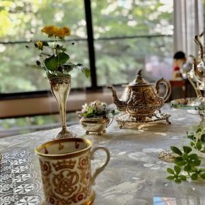 レッスンの朝☆エリザベス女王結婚70周年記念マグカップ
