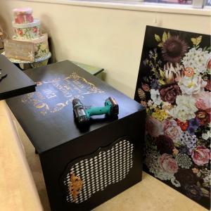 作品展に出品したアートボードをDIY。ストレージボックスに組立ます。