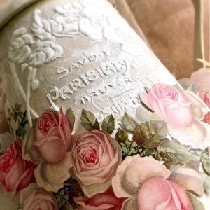 レッスン中のひとコマ* ピンクのバラとブルー&ホワイトは鉄板の可愛さ
