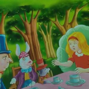 不思議の国のアリス、何かおかしい